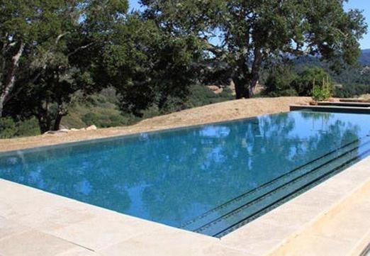 Deja que el sol caliente tu piscina