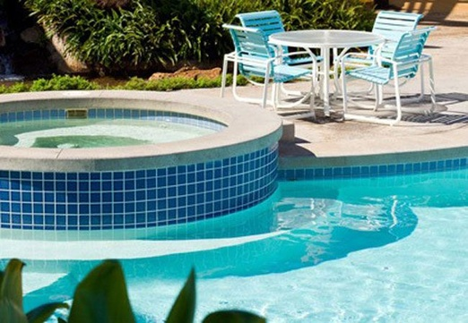 Ahorrando energía en la climatización de piscinas